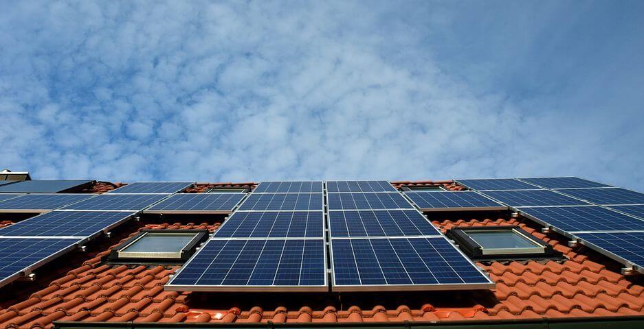 ¿Sale a cuenta instalar placas solares?